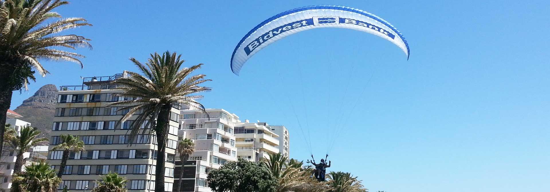paragliding-cape-town-landing-seapoint